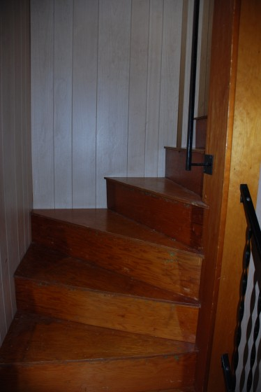 It is a tight stairwell!